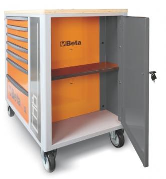 armário lateral com porta com fechadura e superior interior verticalmente ajustável.